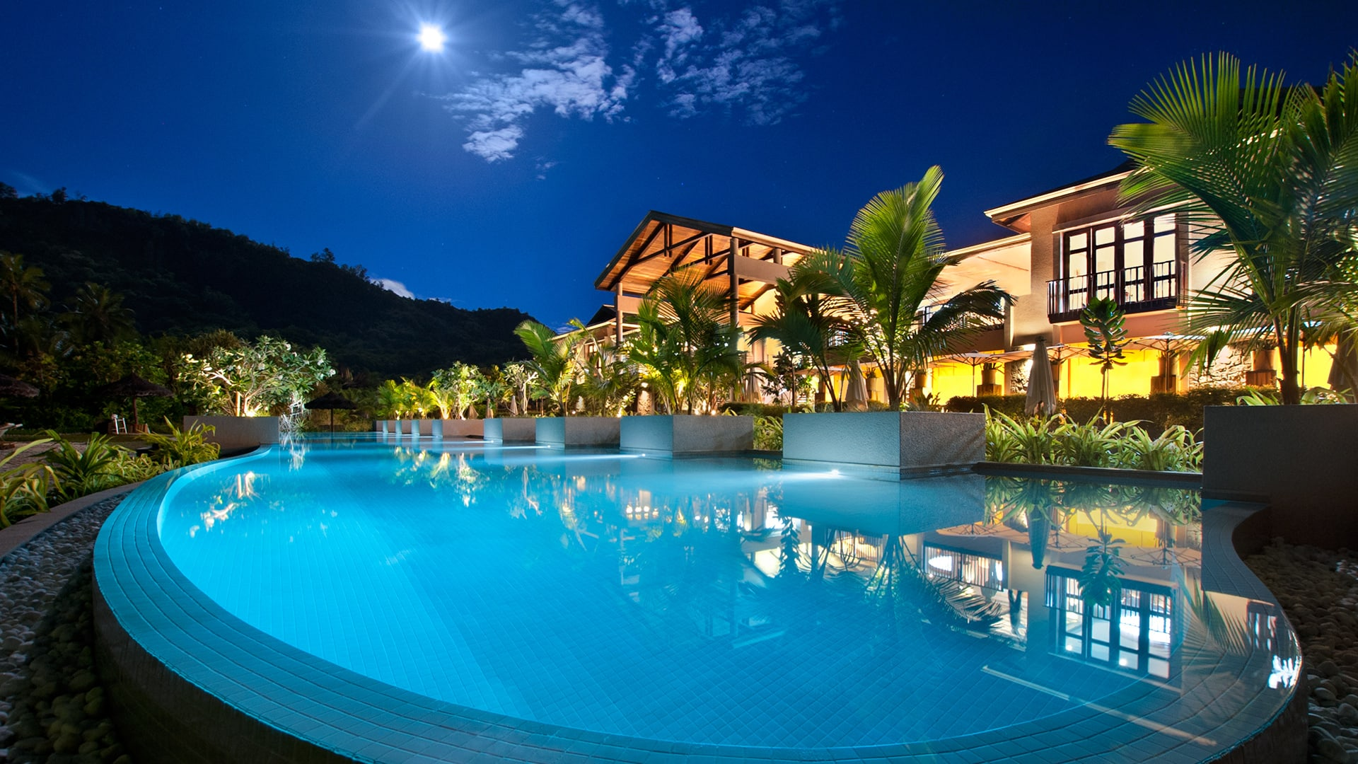 Kempinski seychelles resort baie lazare the seychelles for Beautiful accommodation